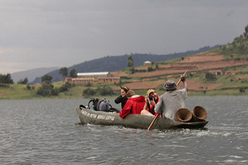canoeing in lake bunyonyi